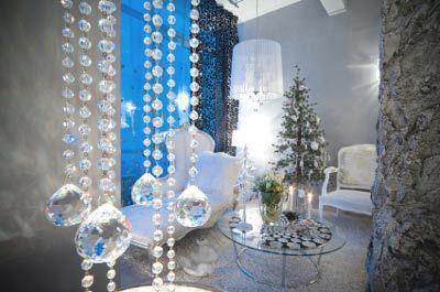 Contemporary Christmas Decor - Christmas Decorating -