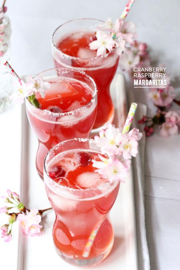 Cranberry Raspberry Margarita. Happy Cinco de Mayo! #summer #spring