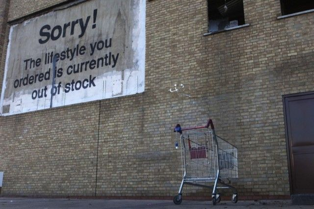 Society Seen Through The Prism of Banksy Art_14