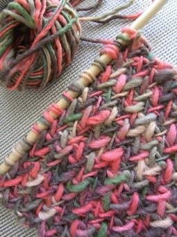 '' My so coled scarf '' free pattern link: http://imagiknit.com/wordpress/2008/02/29/shop-pattern/