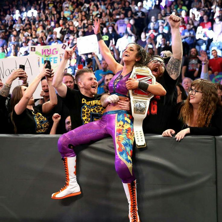 Bayley defeats Charlotte to be New Womens Champion on Raw February 13th 2017