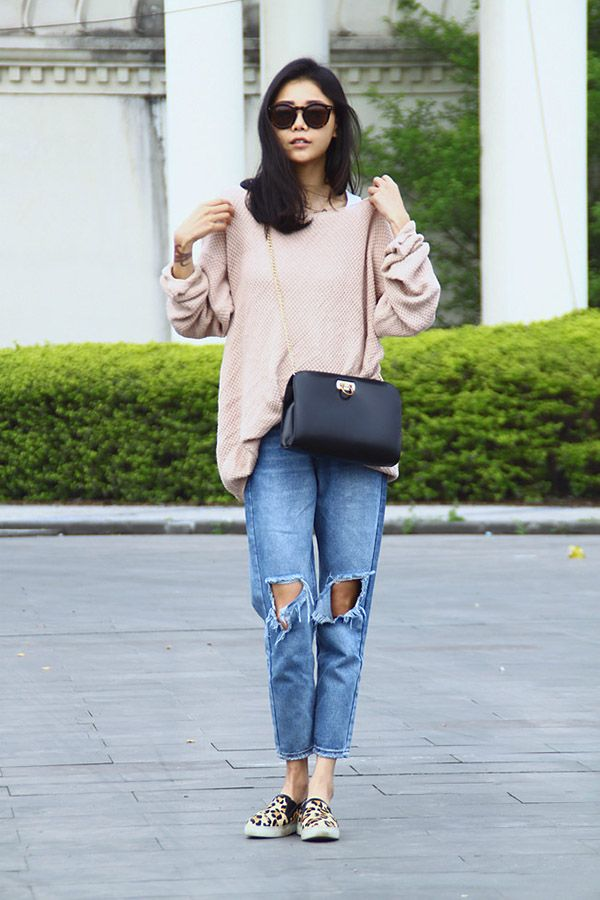 Fashionistas ripped jeans dress up