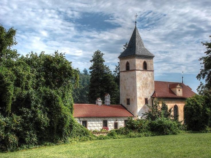 Zámecký kostel Narození Panny Marie ( zamek Kratochvíle)