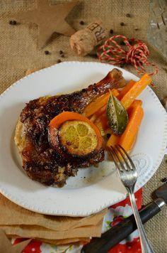 Après avoir proposé des cassolettes de poisson, cette fois-ci, je m'oriente sur une cuisse de canard à l'orange et au cidre cuite au four.