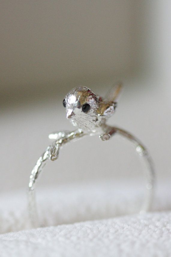 Sterling silver little bird ring statement ring por TedandMag
