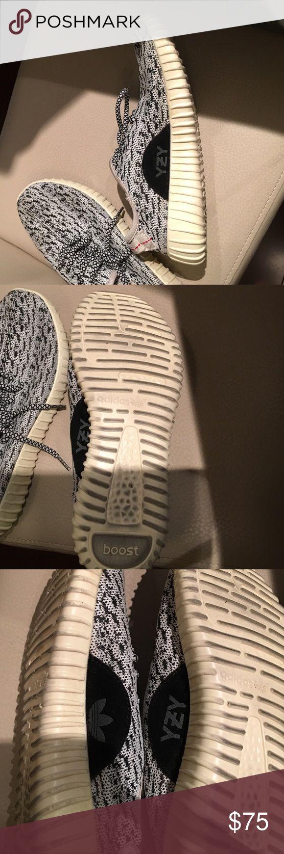 Grey YEEZY BOOSTS 7.5 women yeezy boost 360; grey/black Yeezy Shoes Sneakers