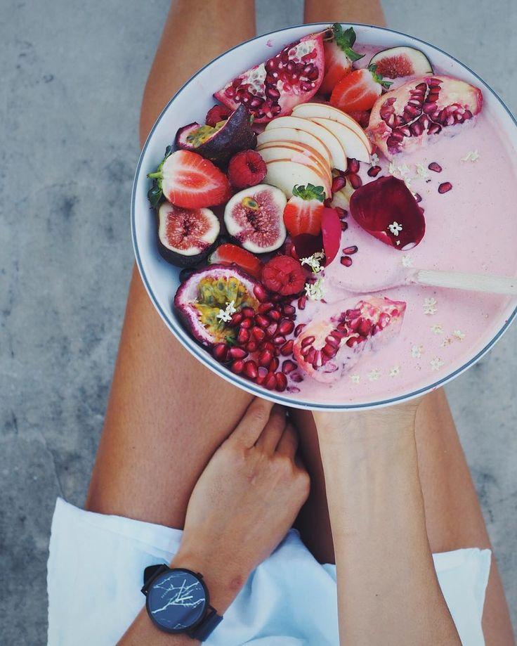 Smoothie Bowls: Frühstück in Rosa - GLAMOUR