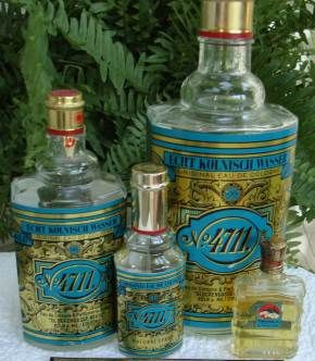 4711 Eau de Cologne. Oma had altijd een flesje bij zich en een zakdoekje om het om te snuiven. Grandma always carried a little bottle with a clean hankerchief to snif it.