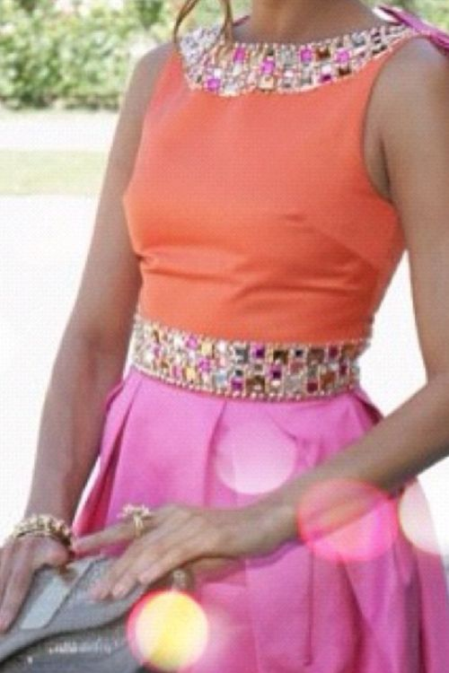 Love the pink and orange combo / for more inspiration visit @happysolez