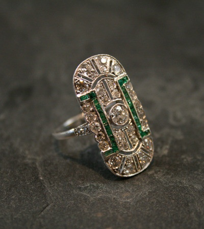 Love this Vintage Wedding Ring. The green stones add a bit of Indian Flair!Wedding Ring, Vintage Weddings, Gray Antiques, Plaque Rings, Vintage Rings, Diamonds Plaque, Edwardian Emeralds, Beautiful Vintage, Engagement Rings