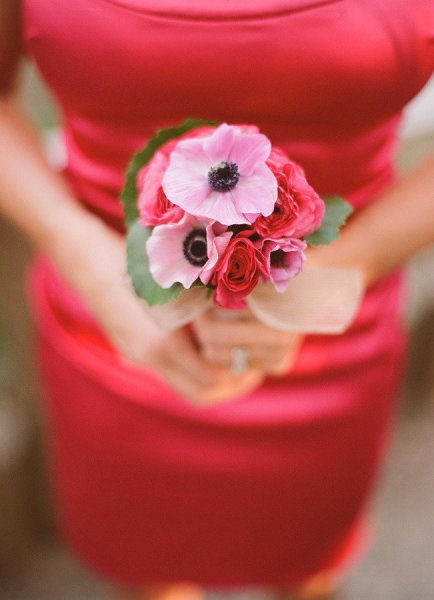 Pink anemone goodness. Photography by rayaphotography.com / Bouquet by artisanevents.com