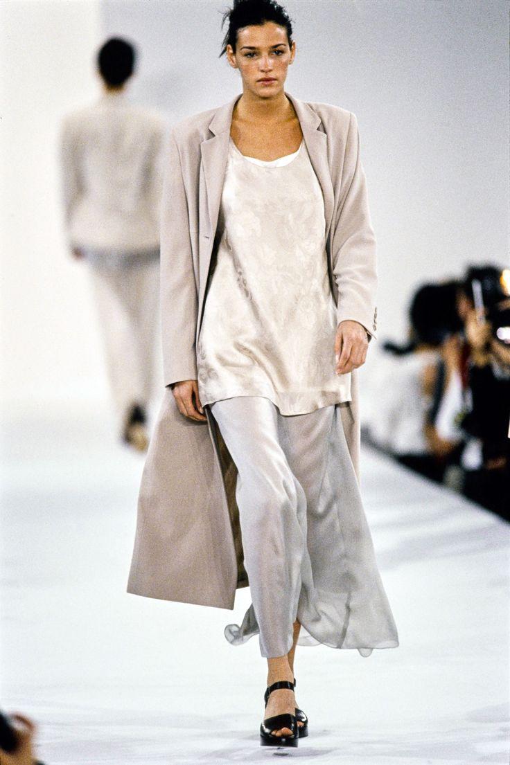 Calvin Klein Collection Spring 1994 Ready-to-Wear Fashion Show - Lucie de la Falaise–