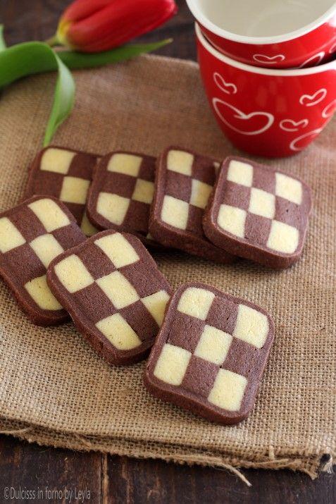 Biscotti a scacchi bianchi e neri Dulcisss in forno by Leyla