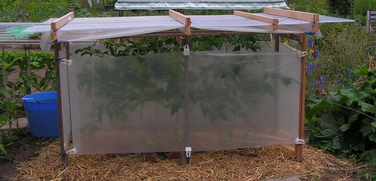 Foreword: In this tip there are descriptions of many roofs. Chapter A)# describes a flat roof with corrigated plate and plastic foil atthe sides. I have this roof in my allotment garden. Nine toma…