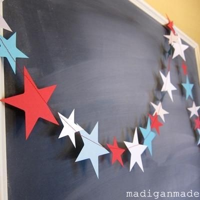 Simple Sewn Star Garland {July 4th Celebration}Decor, Ideas, Paper Stars, Fourth Of July, 4Th Of July, July 4Th, Holiday Crafts, Sewing Machine, Stars Garlands