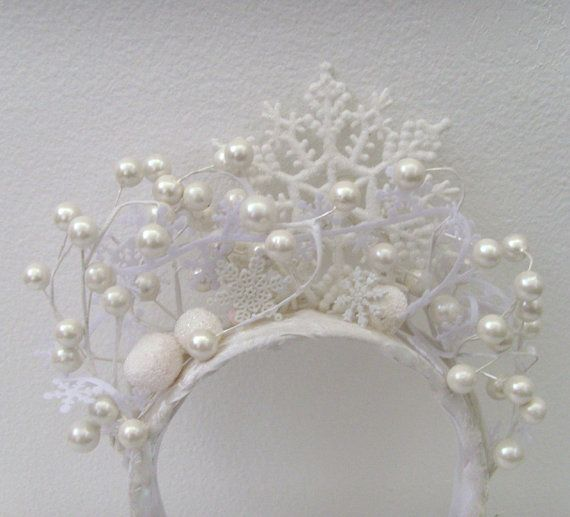 Winter Queen headband. Make this in black to wear at the next INO winter holiday party