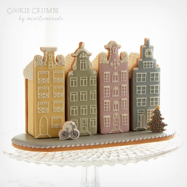 Gingerbread canal houses by Mint Lemonade (Cookie Crumbs)