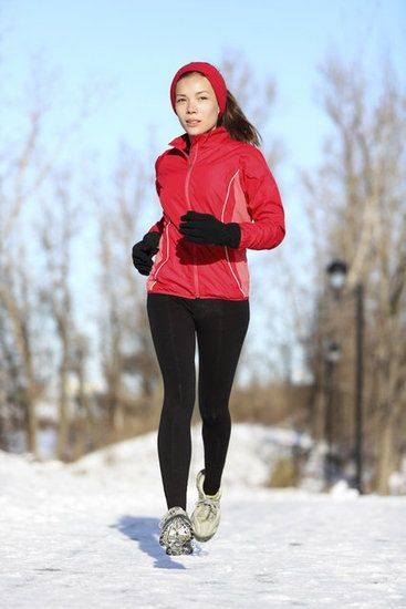 What to Wear For Winter Running: 0-32 deg and 32     Because I always think I'll be okay in all the wrong clothes or clothing materials.