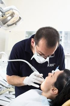 Choosing a Cheap Dental Insurance Plan Dental insurance plans are the most complex of all, as there is always a genuine confusion regarding the coverage of insurance policy or plan. Here, a brief elaboration on inexpensive dental insurance coverage has been provided.