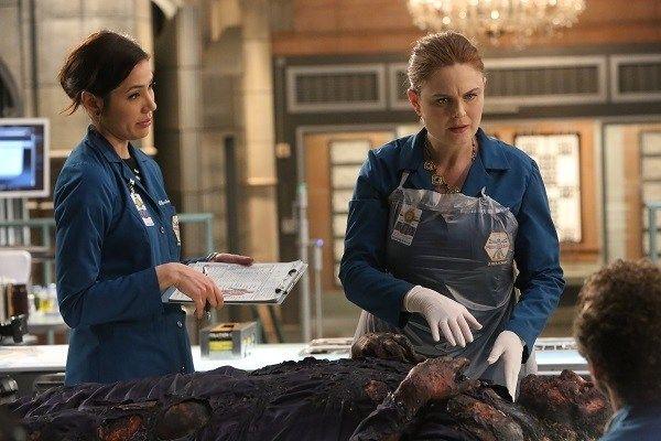 Programme séries du jeudi 21 juillet : Le final de la saison 11 de Bones sur Fox