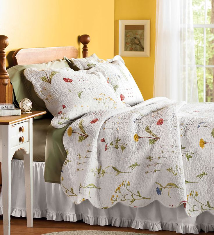 Embroidered Cotton Emily Floral Quilt Sets And Throw Pillow
