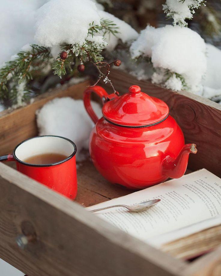 зимние картинки красная кружка с чаем девушки