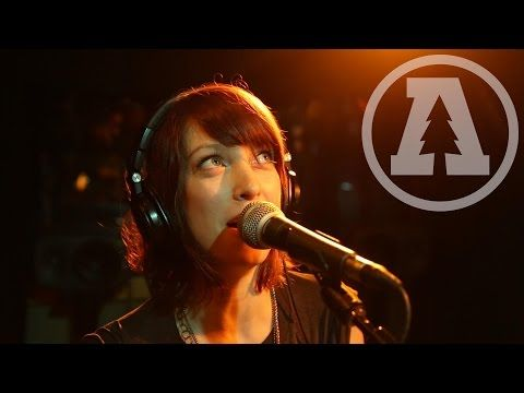 Finally! This kept linking to a different song. Now fixed! Bluesy new band & great harmonica solo! ▶ Sister Sparrow & The Dirty Birds - Borderline - Audiotree Live - YouTube