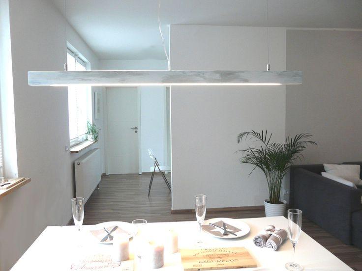 aus einer Holzdiele mit LED-Röhre evtl.selber machen....