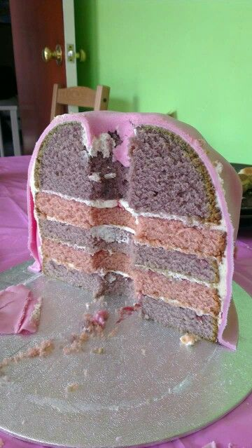 Inside of the Rapunzel cake