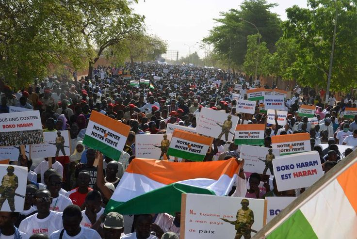 Thousands of people protest against #BokoHaram in #Niger capital http://www.bbc.com/news/world-africa-31502172…