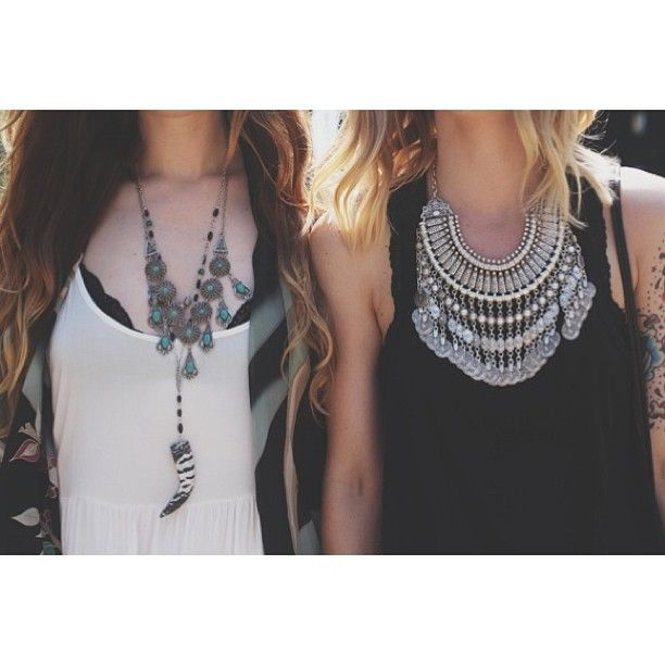 .@penny shima glanz Douglas People | Festival fashion from #pitchfork is now up on blog.freepeople.com! #freepeopl...