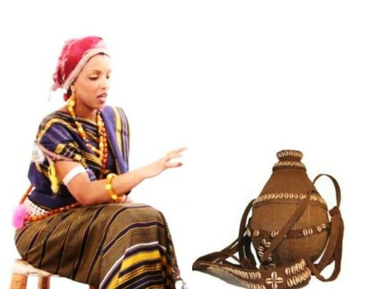 Somali Women And Men In Traditional Clothes Art