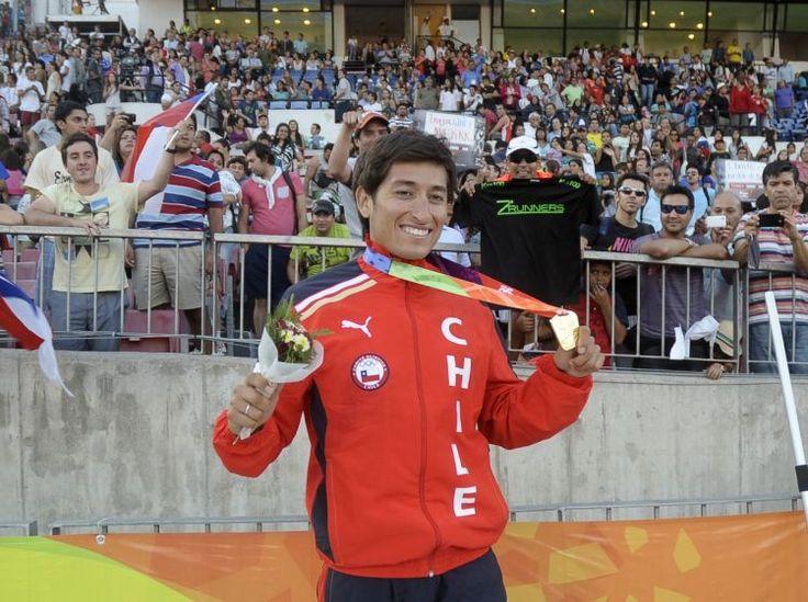 Victor Aravena, medalla de oro para Chile, atletismo, 5000 metros planos varones, Juegos Suramericanos Santiago 2014