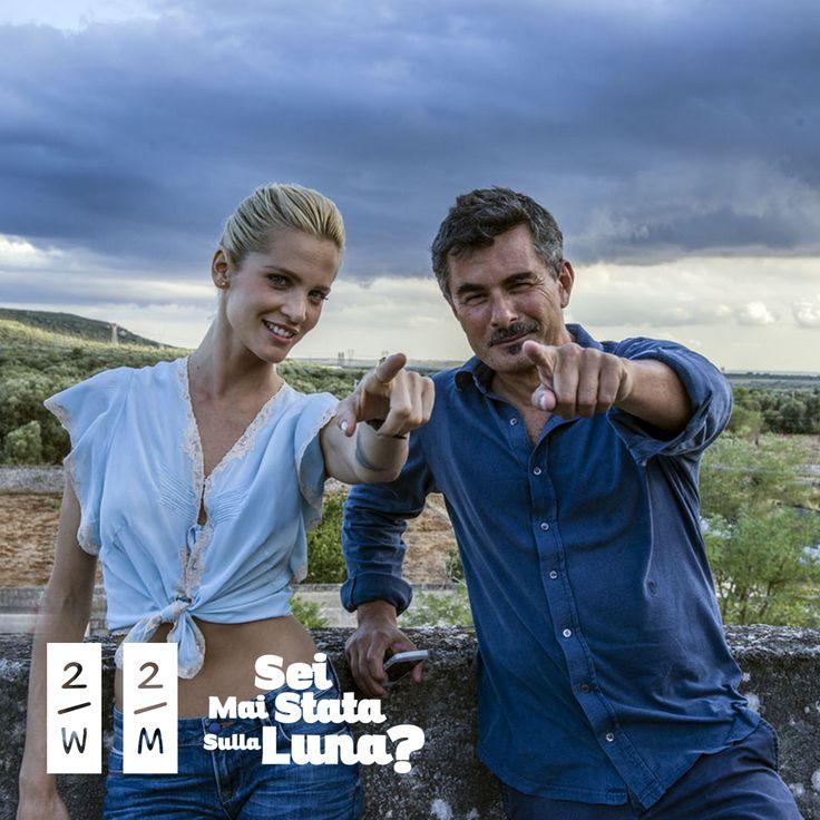 Il regista Paolo Genovese con l'attrice Liz Solari nella campagna di Nardò in Puglia dove sono state girate alcune scene del film