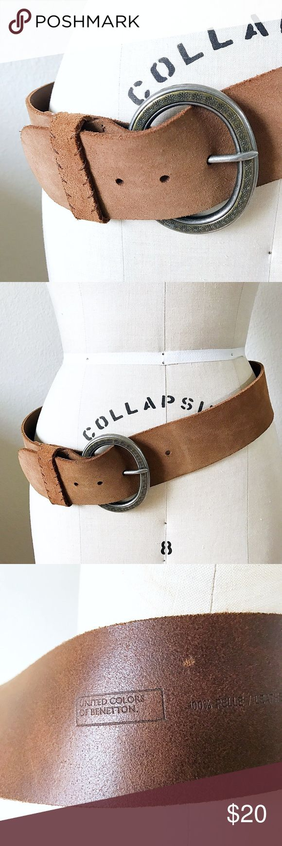 UNITED COLORS OF BENETTON LEATHER BELT Beautifully made brown (genuine) leather belt, with lovely flower inscribed detail on the belt buckle. Size M, approx. 41in. from end to end. Vintage Accessories Belts