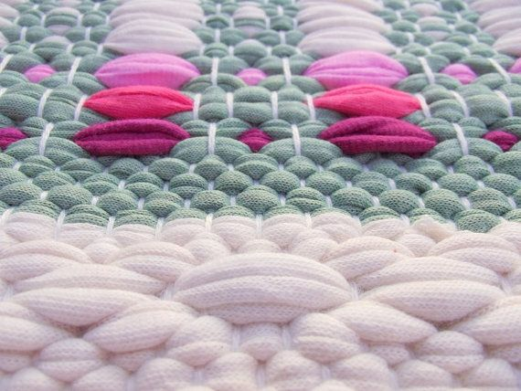 White and green cotton rug with pink and red handmade от leedas