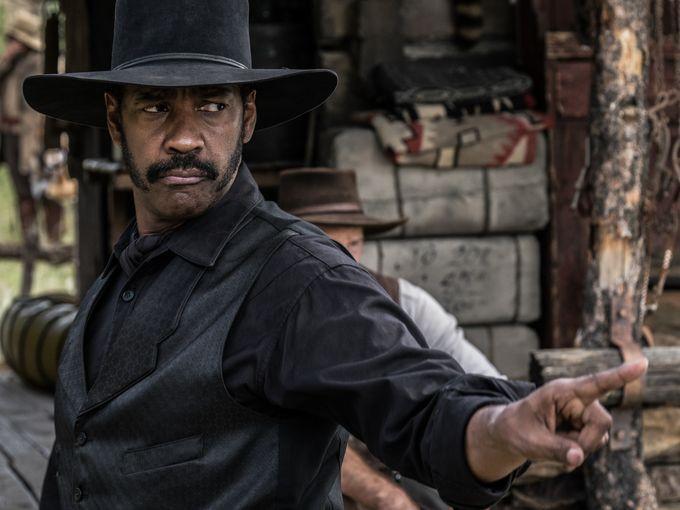 First Look At Denzel Washington And Chris Pratt In 'The Magnificent Seven' Remake ~ Punch Drunk Critics