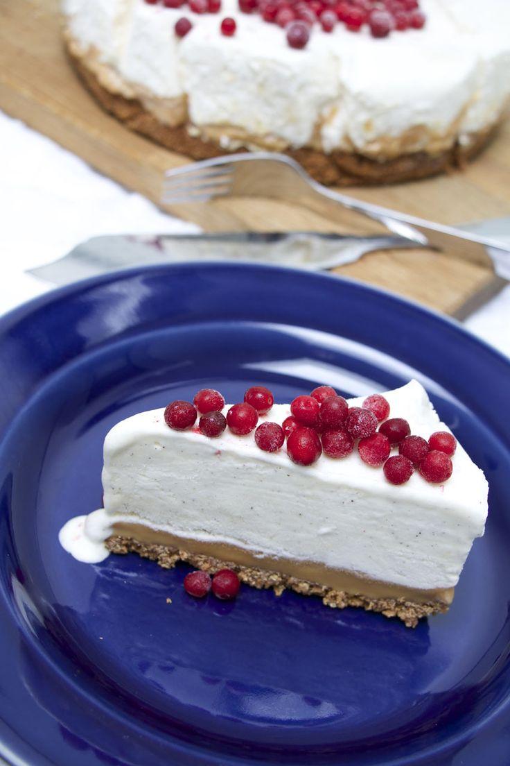 Frusen cheesecake på kola & pepparkaksbotten