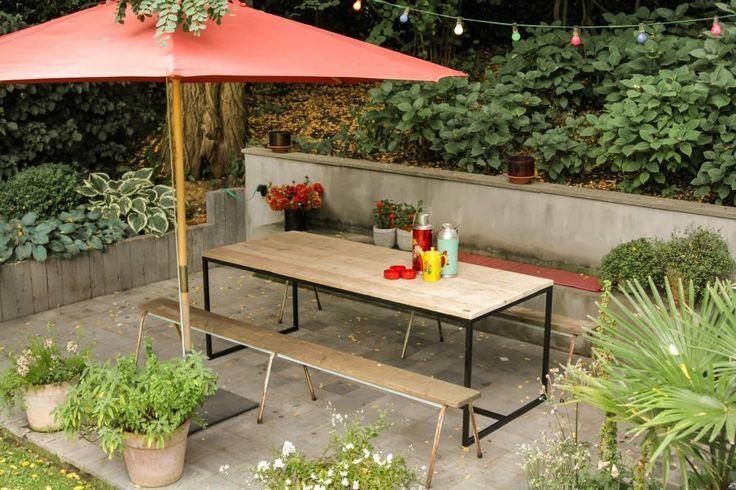 PURE wood design Gartentisch aus Bauholz mit Untergestell aus Stahl ähnliche tolle Projekte und Ideen wie im Bild vorgestellt findest du auch in unserem Magazin . Wir freuen uns auf deinen Besuch. Liebe Grüße