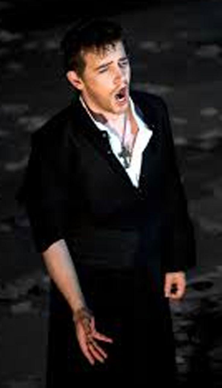 Mirco Palazzi, costumi di Lauro Crisman, regia di Bepi Morassi, Teatro la Fenice, Venezia, 2011.