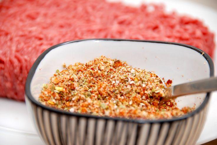 Hjemmelavet taco spice mix er bedre end de pulverbreve, som du køber i supermarkedet. Og det er meget nemt at lave din egen taco mix. Foto: Guffeliguf.dk.