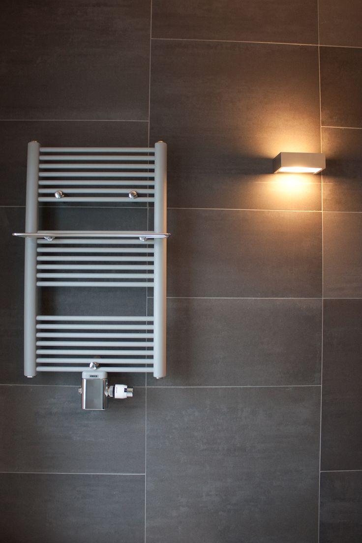 Luxe Badkamer Wastafels ~ Badkamer Wandlamp Design  Design radiator met wandlamp badkamer idee