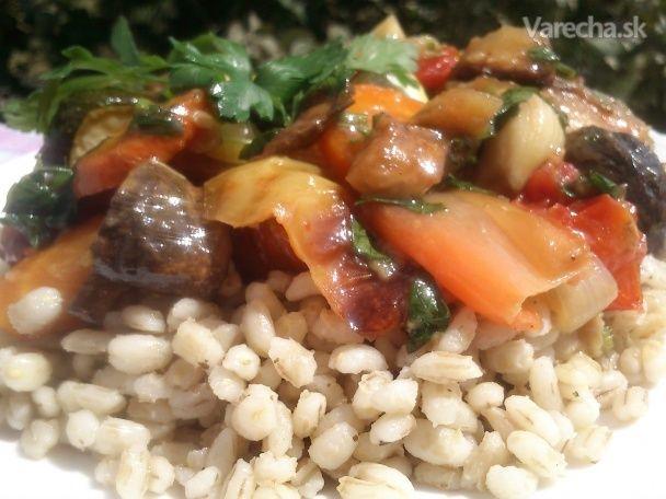 Pečená zelenina v pikantnej zálievke s krúpami (fotorecept)