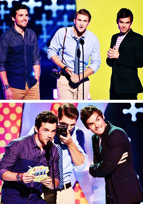 Ian Harding, Keegan Allen and Tyler Blackburn onstage during FOX's 2014 Teen Choice Awards- Do NOT like Keegan's hair at all