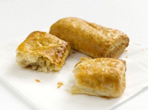 Пирожки с тунцом и соусом гуакамоле