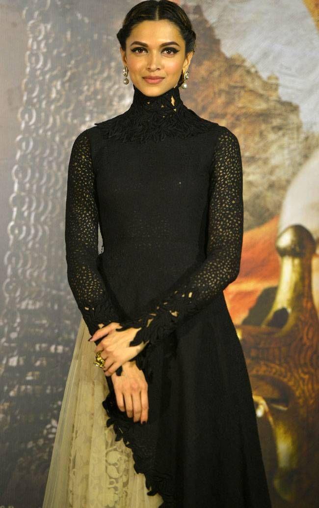 Deepika Padukone looking classy in a black and beige Sabyasachi creation at Bajirao Mastani trailer launch. #Bollywood #BajiraoMastaniTrailer #Fashion #Style #Beauty #Hot