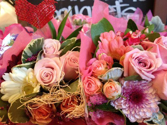 Mini Fl Bouquets From Whole Foods 10 00 Perfect For A Wedding In 2018 Pinterest Flowers And