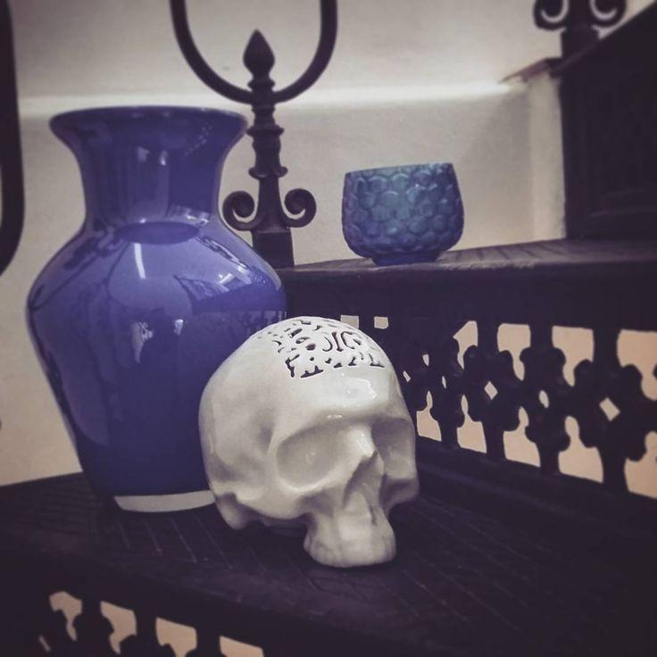 Day in blue (vase by Jiří Pačínek, scull money case  by Porcelán Piršč, thumbler by Dobrovič Glass) #porcelain #glass #czechglass #handmade #pacinekglass #dobrovicglass #pirscporcelain #blue