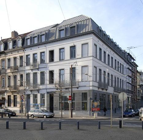 Baneton Garrino, Bruxelles