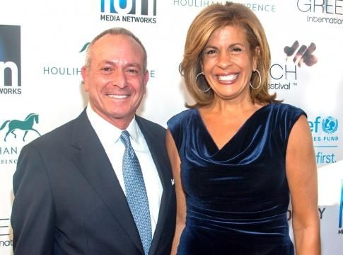 Hoda Kotb, 52, was reluctant to tell her mother she and her 58-year-old boyfriend are going to live together.  http://us.blastingnews.com/lifestyle/2016/10/hoda-kotb-and-joel-schiffman-plan-to-move-in-together-001162357.html